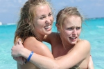 Meghan and Morgan - Scared of Stingrays!